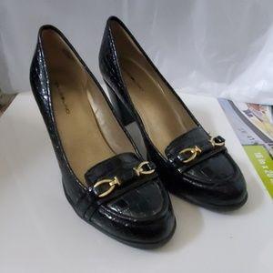 Bandolino Size 8 Reptile Texture Black Heels